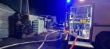Pożar w Turznie (powiat toruński). Nocą z 28 na 29 lipca 2021 paliło się na terenie składu węgla [zdjęcia]