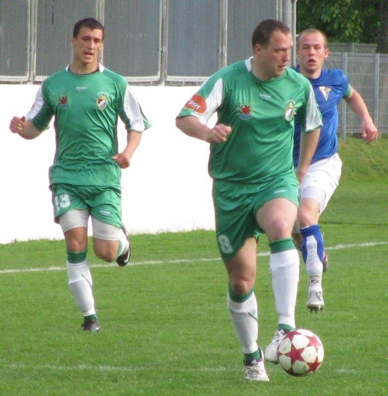 Patryk Pytlak (z lewej) strzelił gola z karnego, Paweł Kryszałowicz (przy piłce) zanotował dwie asysty.