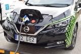 Samochody elektryczne i hybrydowe. Większość serwisów ich nie naprawi