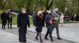 W Stargardzie, w 230. rocznicę uchwalenia Konstytucji 3 Maja, złożono kwiaty pod pomnikiem patriotycznym Stargardzianie Ojczyźnie. ZDJĘCIA