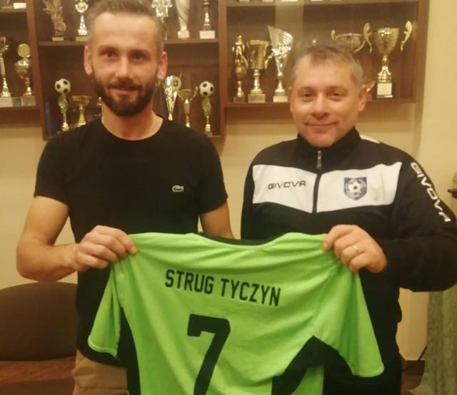 Kamil Drob z trenerem Strugu Tyczyn Jackiem Sową