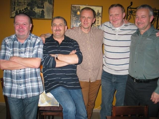 Krzysiek Zawicki, Darek Pawlak, Marek Zajączkowski, Darek Gospodar i Artur Garduła policzyli, że to ich 60. spotkanie.