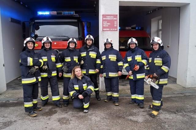 Ochotnicza Straż Pożarna w Bargłowie została założona w 1927 r. Obecnie liczy 63 członków w tym: 30 czynnych, 5 wspierających oraz 28 członków Młodzieżowej Drużyny Pożarniczej