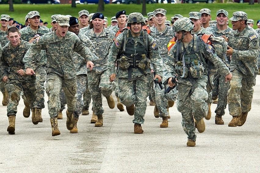 Zamieszki w USA 2020. Czy prezydent Donald Trump wytoczy najcięższe działa i użyje wojska wobec protestujących?