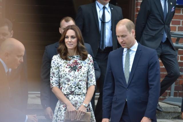 To już oficjalne! Księżna Kate spodziewa się trzeciego dziecka.