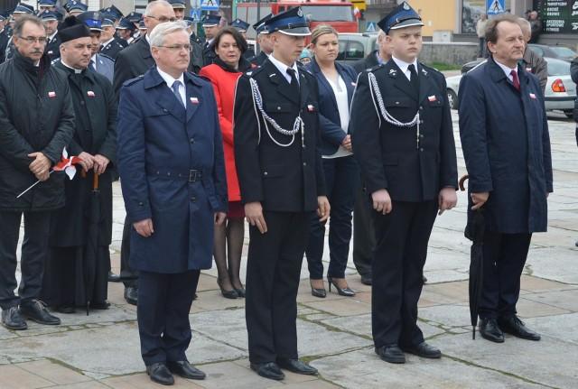 W pierwszym rzędzie pierwszy z lewej wicewojewoda Józef Gawron, z prawej poseł Włodzimierz Bernacki