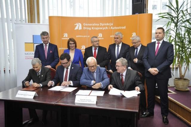 Podpisanie umowy na budowę obwodnicy Tomaszowa Lub. pomiędzy GDDKiA a Mota-Engil Central Europe