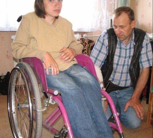 Agnieszka potrzebuje pieniędzy na zakup wózka