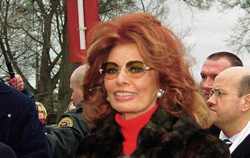 Sophia Loren w Malborku. To tu, w krzyżackim zamku, nagrywała słynną reklamę. Zdjęcia