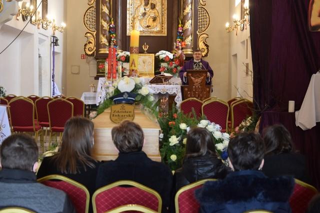 Pogrzeb strażaka Zdzisława Tokarskiego z Moskorzewa. Zmarł w wieku 57 lat po czterech latach walki o zdrowie.