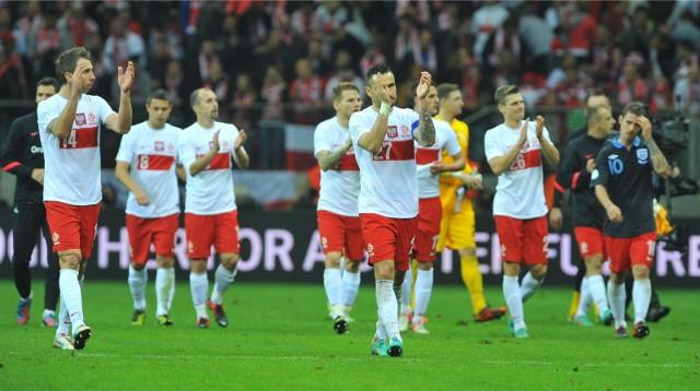 Polska po raz ostatni rywalizowała z Anglią o punkty w eliminacjach do mistrzostw świata 2014. W Warszawie zremisowaliśmy 1:1 (gol Kamila Glika), w Londynie przegraliśmy 0:2.