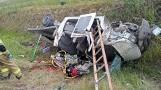Dachowanie na S3. Strażacy z Goleniowa i okolic ratowali zakleszczonego mężczyznę