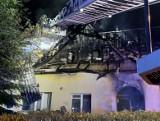 Pożar domu jednorodzinnego w Balicach. Ogień wybuchł nocą