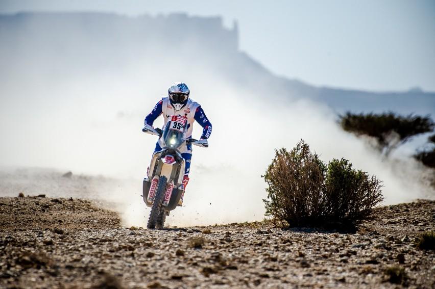 Maciej Giemza, utytułowany motocyklista z Piekoszowa, w Portugalii zaczyna rywalizację o Puchar Świata motocyklistów w rajdach Baja.