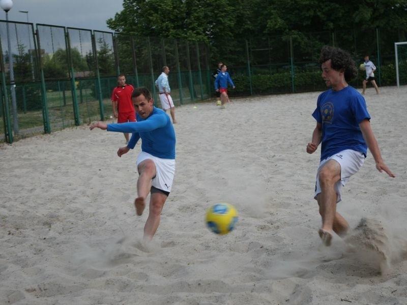 Zawodnicy Vacu Activ przygotowywali się do ligi na obiektach ZSO nr 3 w Słupsku. Z lewej Tomasz Piekarski, z prawej Przemysław Iwański.