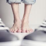 Grzybica paznokci – objawy i przyczyny. Sprawdź, najpopularniejsze sposoby leczenia grzybicy paznokci u nóg i u rąk!