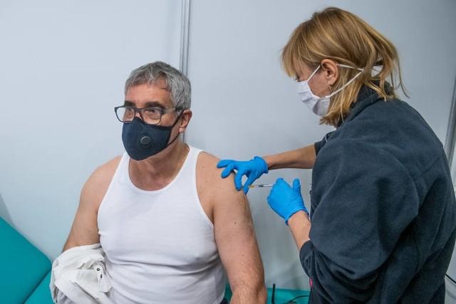Kiedy nie zjawi się umówiony pacjent, można zaszczepić dowolnego innego pacjenta, który nie jest zapisany na termin, ale jest uprawniony i ma wystawione e-skierowanie