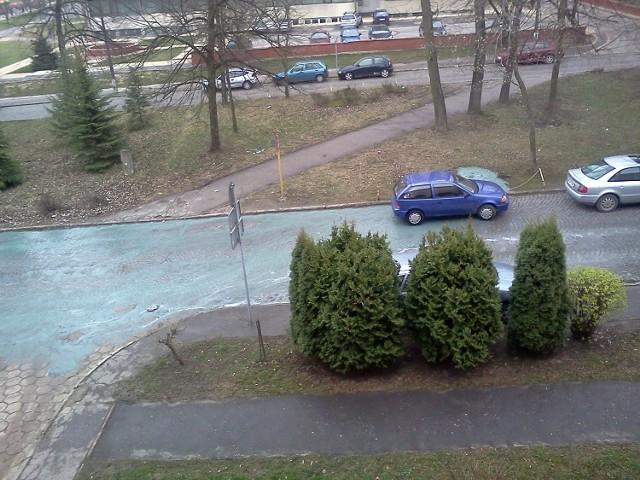 Lublin: Niebieska ciecz zalała ul. Mełgiewską