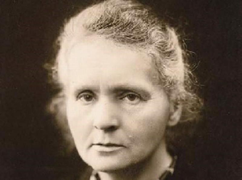 Maria Sklodowska-Curie otrzymała dwukrotnie nagrodę Nobla. W dwóch różnych dziedzinach. Żadnej kobiecie nie udało się to co Marii Sklodowskiej-Curie.