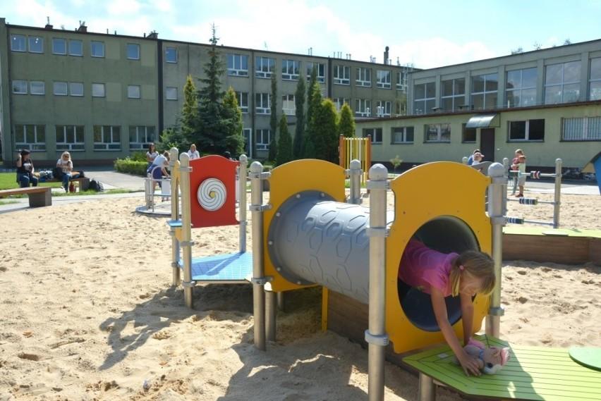 W Będzinie nowe przedszkole powstało w budynku byłego gimnazjum przy ul. Sportowej Zobacz kolejne zdjęcia/plansze. Przesuwaj zdjęcia w prawo - naciśnij strzałkę lub przycisk NASTĘPNE