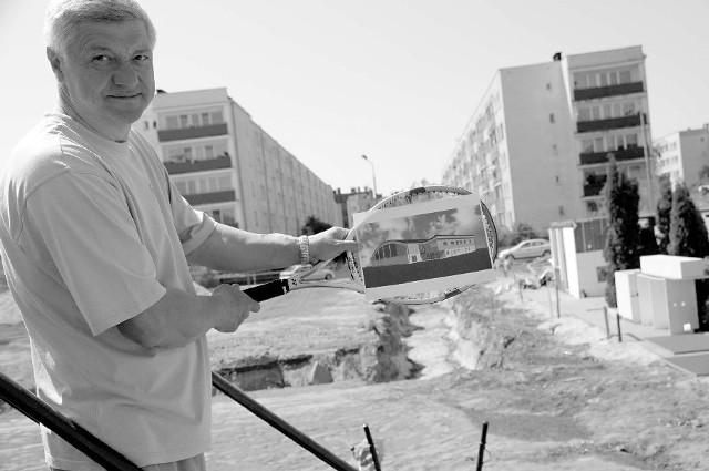 Andrzej Bandurowski: - Mam nadzieję, że dzięki odpowiednim warunkom do trenowania wychowamy w naszym mieście przyszłe gwiazdy polskiego tenisa. (fot. Daniel Polak)
