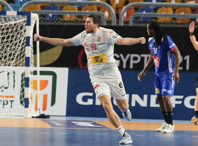 Alex Dujszebajew (Hiszpania/Łomża Vive Kielce) podczas meczu o brązowy medal mistrzostw świata.