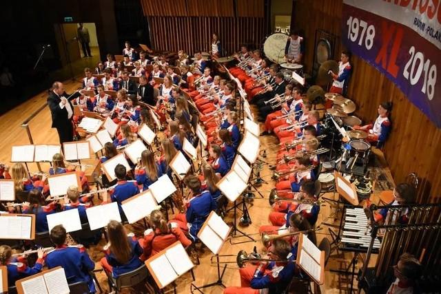 W koncercie finałowym Konferencji podobnie jak rok temu, wystąpi Młodzieżowa Orkiestra Dęta Grandioso pod dyrekcja Dariusza Krajewskiego.