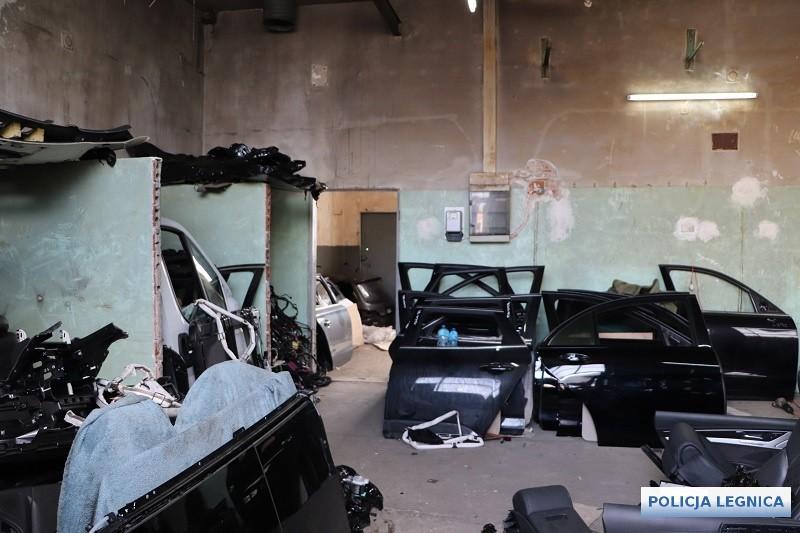 rozbito kilka dziupli samochodowych w powiecie legnickim