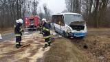 Autobus zderzył się z traktorem pod Strzelcami Opolskimi
