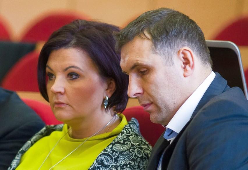 Katarzyna Siemieniuk i Jacek Chańko podczas obrad białostockiej rady miasta