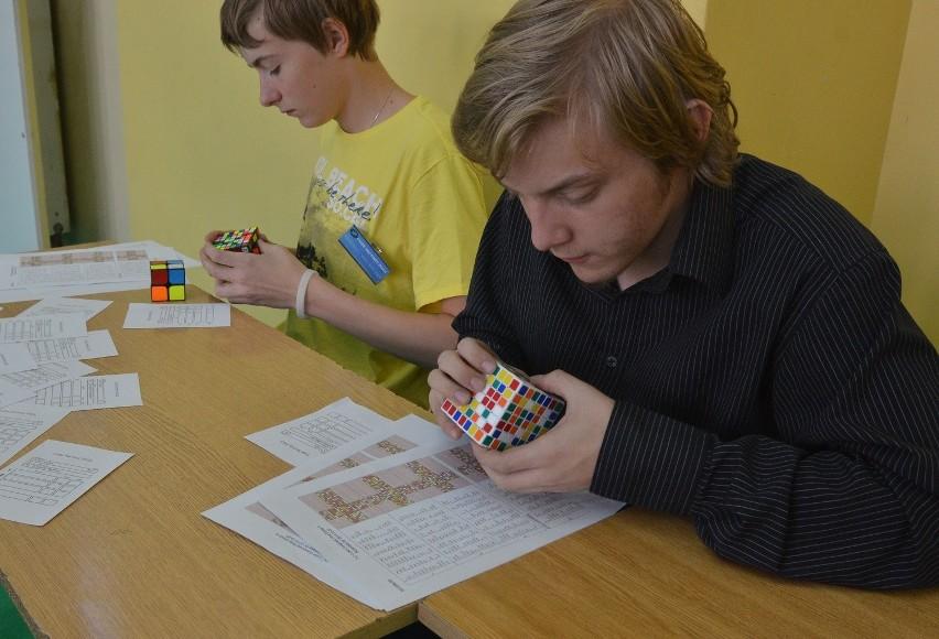 Mistrzostwa regionu łódzkiego w układaniu kostki Rubika [ZDJĘCIA+FILM]