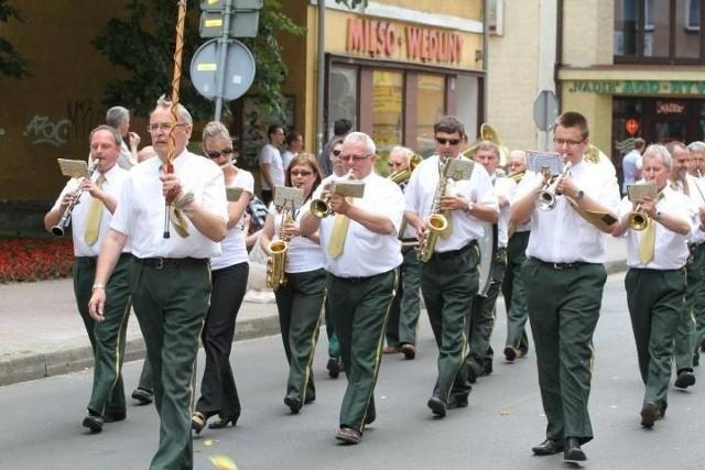 Orkiestra Dęta Zastal gra nam od wielu, wielu lat. A plenerowe koncerty na deptaku zawsze cieszą się dużym zainteresowaniem zielonogórzan i ich gości