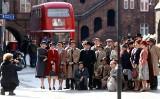 """Nikiszowiec gra Londyn z lat 40-tych. Trwają zdjęcia do filmu """"Śmierć Zygielbojma"""" ZDJĘCIA"""