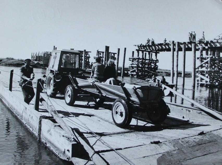 Most na Narwi