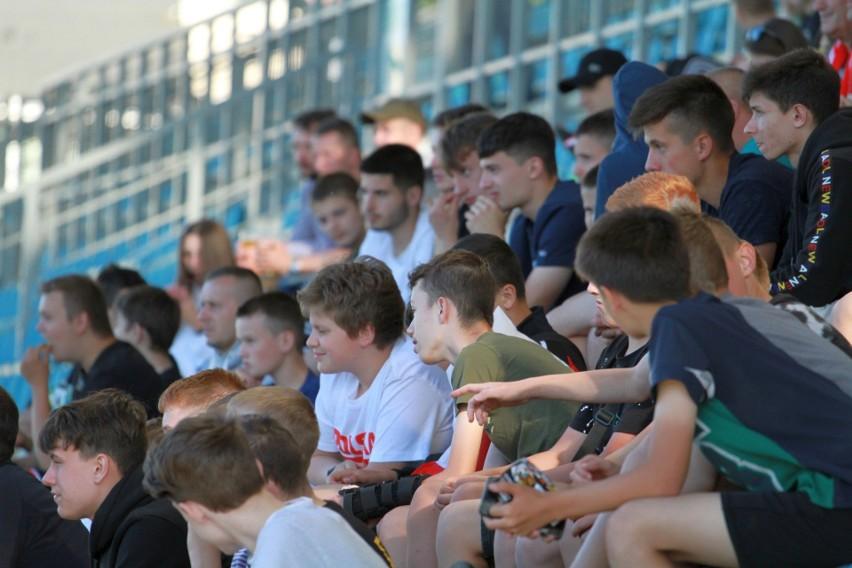 Kibicowałeś Polakom w meczu ze Słowacją w Tarnobrzeskiej Strefie Kibica? Poszukaj siebie na zdjęciach (ZDJĘCIA)