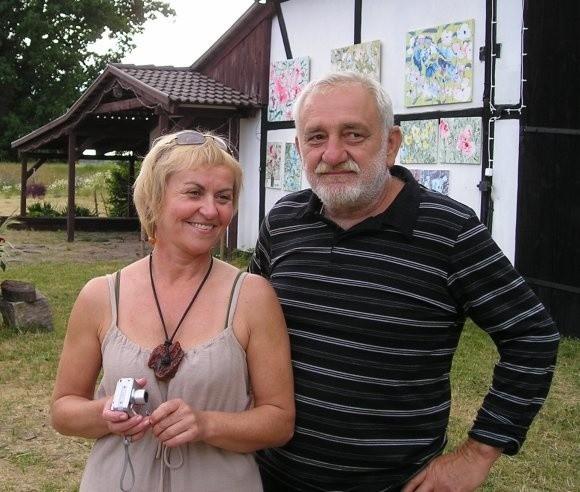 Do Podańska na wystawę poplenerową zapraszają Lucyna Włodarczyk i Andrzej Owczarek, gospodarze pleneru.