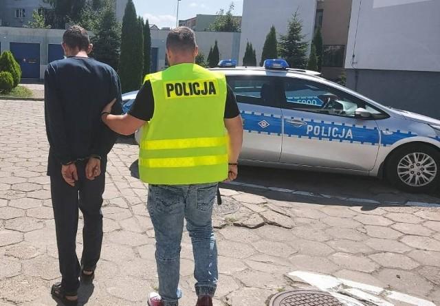 Do zdarzenia doszło podczas szarpaniny między mężczyznami. 42-letni mieszkaniec gminy Bełchatów został ugodzony nożem