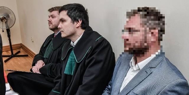 Sąd Rejonowy skazał Rafała P. na dwa lata bezwzględnego więzienia.