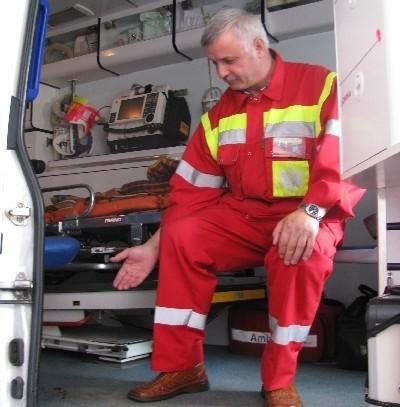 Janusz Kosowski, kierowca karetki z łomżyńskiego pogotowia uważa, że ten ambulans trzeba wymienić