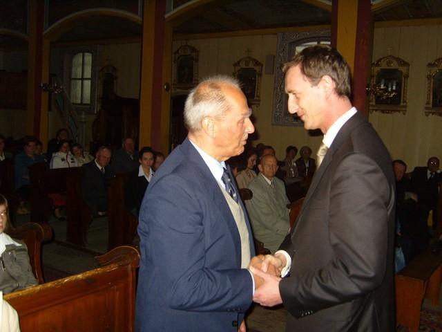 Syn pułkownika Zygmunt Zakrzewski wraz z wicewojewodą Dariuszem Kurzawą