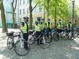 Strażnicy miejscy w Łodzi wsiedli na rowery. W taki sposób będą od dziś (12 maja) patrolować łódzkie skwery, parki i tereny zielone