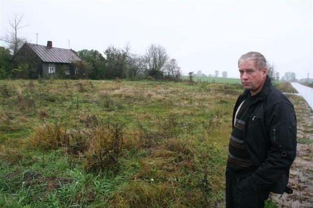 - Muszę tłumaczyć się przed sądem, bo zarzucają mi, że orałem własny grunt! – mówi Andrzej Kun.