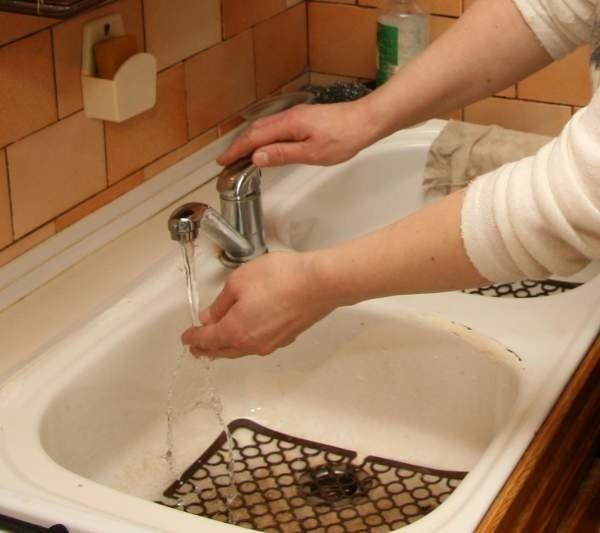 Za metr sześcienny wody mieszkańcy Głubczyc zapłacą teraz 2,64 zł, natomiast za odprowadzenie takiej samej ilości ścieków - 2,66 zł.