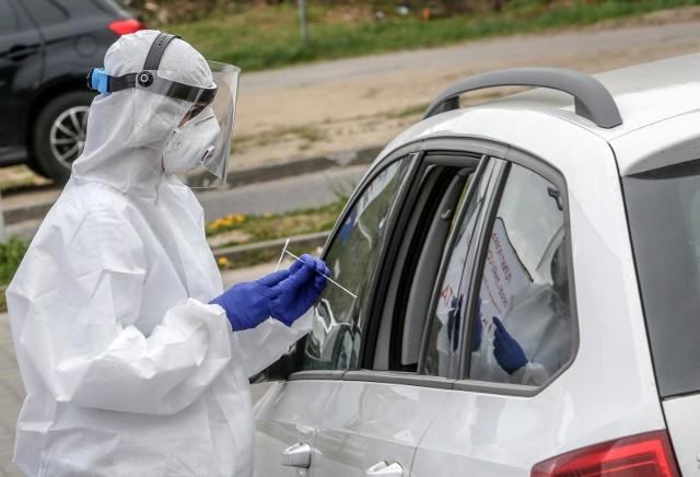 Rekord zakażeń w Polsce w piątek, 7 sierpnia. Trwa ofensywa koronawirusa!