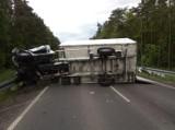 Śmiertelny wypadek koło Uniejowa. Zderzenie na drodze DW473 koło wsi Rożniatów