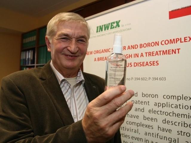 Najnowszy wynalazek Ag 124 Stanisław Szczepaniak prezentuje na V Międzynarodowej Warszawskiej Wystawie Innowacji IWIS 2011.