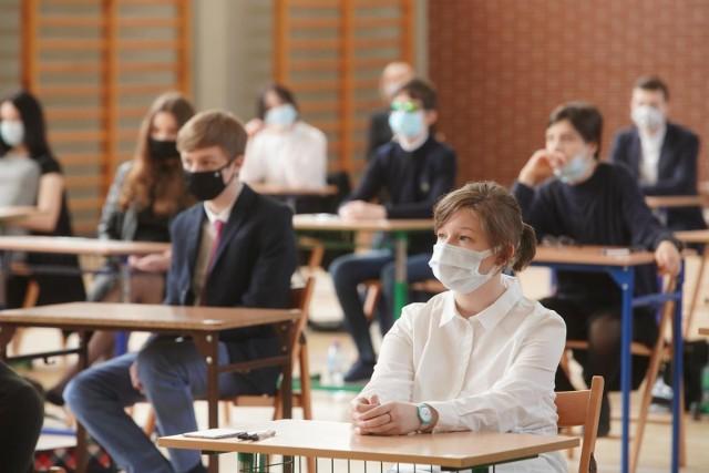 Egzamin ósmoklasisty był przeprowadzany w dniach 25-27 maja 2021. Odbywał się w reżimie sanitarnym