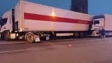 Groźny wypadek na A1. Ciężarówka wjechała w iveco Poczty Polskiej ZDJĘCIA