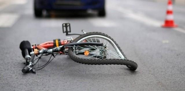 Do tragicznego wypadku doszło 23 lipca w Pleszewie na ulicy Prokopowskiej. Nie żyje rowerzysta.Kolejne zdjęcie --->