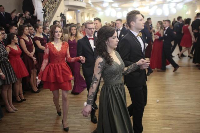 Studniówka Samorządowego Liceum Ogólnokształcącego w Zgierzu odbyła się w Białym Pałacu w Niesięcinie